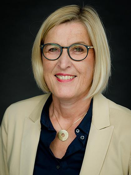 Stefanie Kaiser : 1. Kassiererin